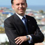 """Alcalde de Punta Arenas, Claudio Radonich: """"Queremos que vivir en una zona aislada sea una ventaja"""""""