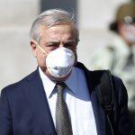 """Ex ministro Mañalich:  """"No tenemos certeza de que los laboratorios van a cumplir los contratos con Chile"""""""