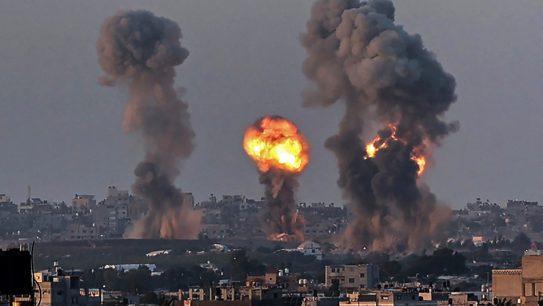 Enfrentamientos entre Israel y palestinos dejan al menos 70 muertos