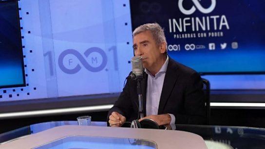 """Carlos Peña por aniversario de 18-O: """"Atribuir a la violencia el resultado del acuerdo constitucional es extremadamente peligroso"""""""