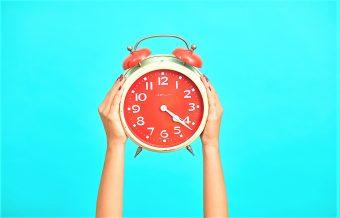 Este domingo se cambia la hora: ¿Es más complicado adaptarse en cuarentena?