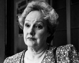Mujeres Con Pasión: María Maluenda, Pasión por la actuación y la política