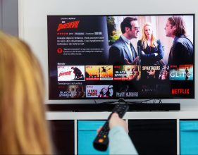 ¿No es fácil decidir qué ver en Netflix? Una nueva función podría ayudarte