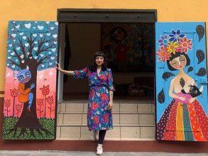 Mon Laferte está en Chile: Prepara la primera exposición de sus pinturas en Valparaíso
