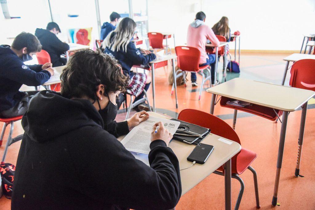 Más de 3300 colegios volverían a clases presenciales la primera semana de marzo