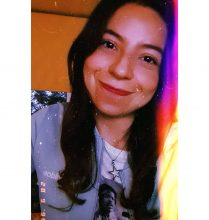@unapau: Me corté el pelo solita y hallo que me veo estupenda