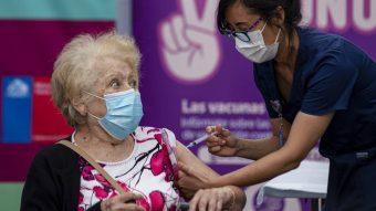 Ya se planea vacunación año a año: Ministro de Salud descarta la desaparición del Covid-19