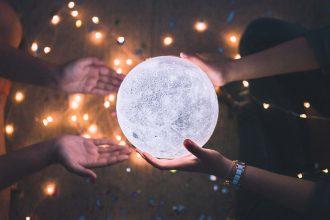 ¿Cómo aprovechar la energía de la Luna Nueva? Te lo comentamos día por día