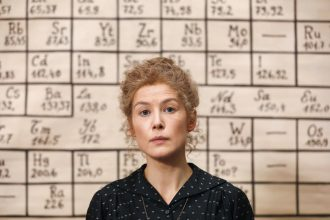 Madame Curie se impone en Chile