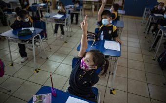 Gobierno no descarta obligar a los colegios a volver a clases presenciales a partir de julio