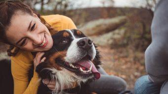 El 86% de las mujeres rompería una relación si su pareja desprecia a su perro