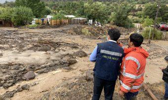 Temor por quebradas y aumento de caudales: Decretan Alerta Temprana para 10 comunas de la RM
