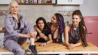 Ganó el odio: Empresa rusa bajó campaña tras sufrir un boicot por mostrar a mujeres lesbianas