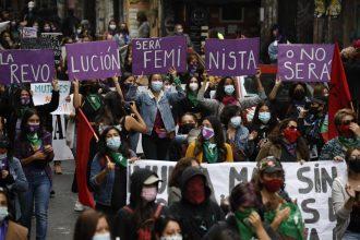 ¿Qué esperas de la Convención? Feministas entregaron propuesta que asegure paridad en el trabajo de los convencionales