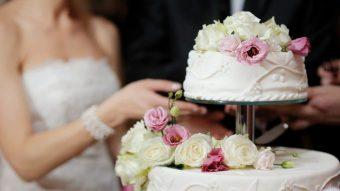 ¡Pero cómo! Matrimonio cobró porciones de torta y revisó por cámara a quienes se repetían