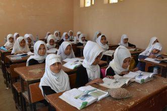 """Talibanes permitirán que las niñas vuelvan al colegio """"respetando los valores del Islam"""""""