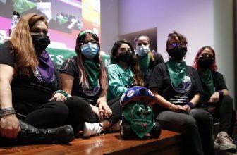 En México crean robot que acompaña a las mujeres para que puedan abortar